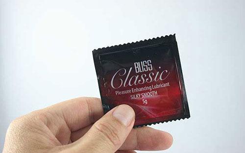 طرز استفاده از کاندوم