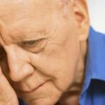 یائسگی مردانه چیست؟ علائم و درمان