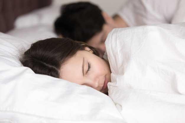 چطور امکان رابطهی جنسی صبحگاهی را فراهم کنید؟