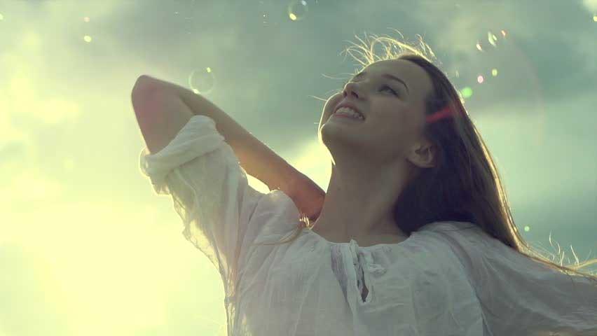 خوشحال و شاد باشید